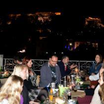 Na terase pod osvícenou Akropolí - aneb Mrtvá šelma a jiné vraždy